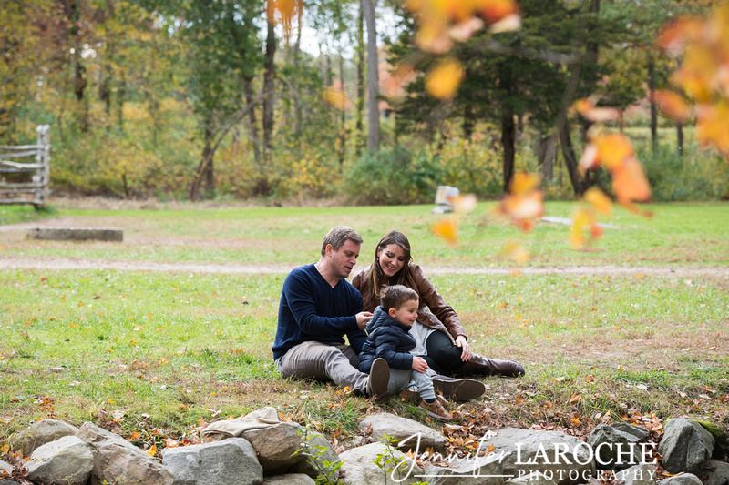 fall family photo shoot at wayside gristmill sudbury (4)
