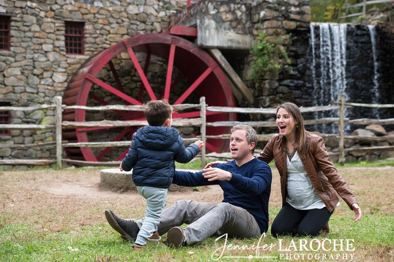 fall family photo shoot at wayside gristmill sudbury (10)