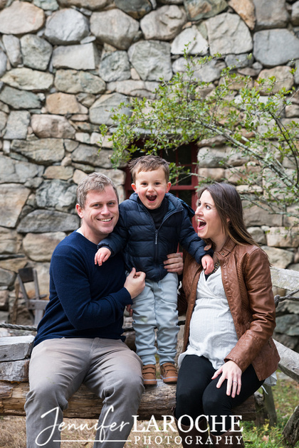fall family photo shoot at wayside gristmill sudbury (14)