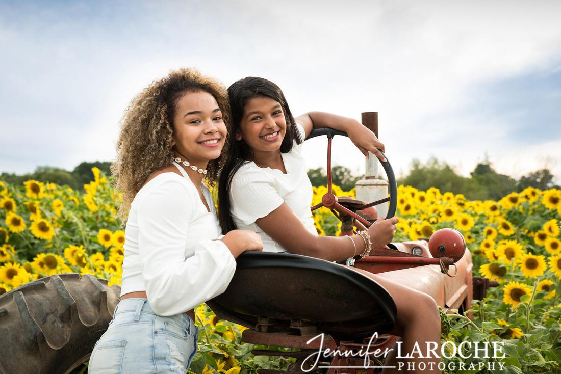Colby-Farm-Sunflowers-Kids-Sister-Portraits-by-Jennifer-LaRoche