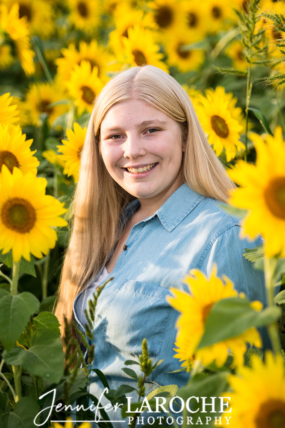 colby-farm-sunflowers-senior-portrait--photo-session-at-sunset