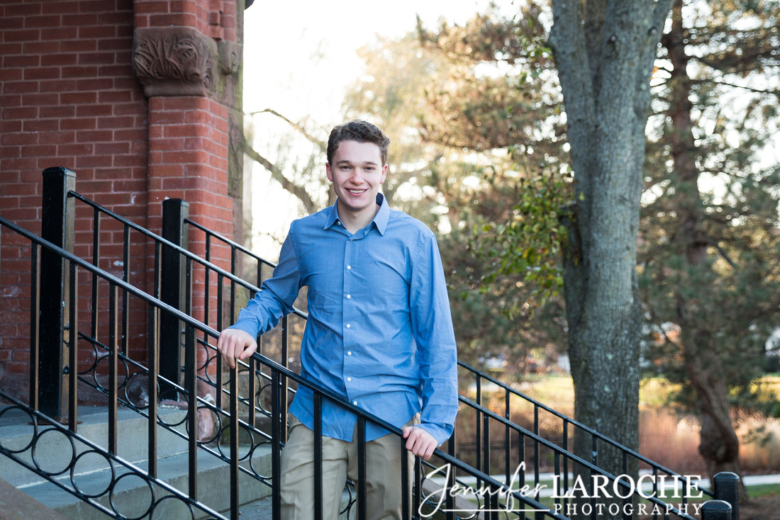 winchester-town-hall-senior-photo-on-the-stairs