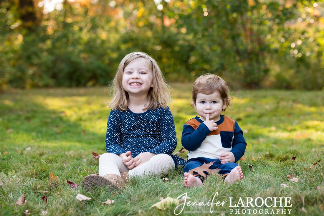 Siblings-Fall-Nature-Family-Portrait